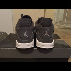 Jordan Shoes - Retro Jordan 4's